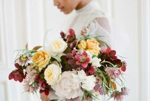 Bouquet posing / Ideas for photographing bridal bouquets