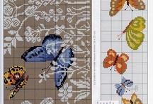 Πεταλούδες σταυροβελονιά