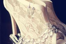 Girly Stuff & Wedding Ideas ♡ / by Alicia Tyson