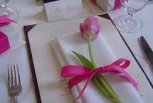 Kukka-asetelmat ja kattaukset