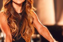 Celebrity Hair Extension Gossip / Who is wearing hair extensions?  Who is denying wearing hair extensions?  Are they in or out?  Celebrity Hair Gossip