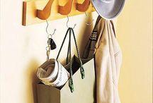 Kreatív lakberendezés / Nem kell sok alapanyag ahhoz, hogy otthonod saját készítésű bútorok és kiegészítők legyenek. Lehet az alapanyag: fa, gomb, ragasztó, raklap, szalagok, bármi, ami a kezed ügyébe kerül!
