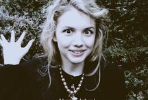 actress: Hannah Murray