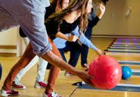 Evening programmes / In the evenings a range of leisure programmes are available, for example: cinema, Latin-American and Italian dance lessons, games, role plays, bowling, billiard and game room assuring students to enjoy themselves and get the most out of their stay.