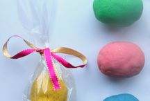 easter baking and craft with the kids