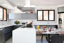 Cozinha Gourmet / Neste board você vai encontrar inspirações de cozinha gourmet planejada, decoração de cozinha gourmet e lindas fotos de cozinha gourmet. Confira dicas de cozinha gourmet e projetos de cozinha gourmet. Aproveite! #cozinhagourmet #projetosdecozinhagourmet #cozinhagourmetplanejada #decoracao #arquitetura