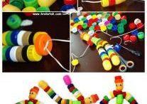 Bonecos com rolhas de garrafa