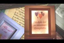 """Beleuchtete Bilderrahmen """"Lightbox"""" / Individuelles Fotogeschenk günstig online kaufen – Fotogeschenke mit Spruch für Frauen Männer Freunde und Familien bei Dawanda – ausgefallene Fotopräsente mit beleuchtetem Bilderrahmen. Bilderrahmen festhalten oder via Foto-Motiv einen Moment einfangen sowie verewigen."""