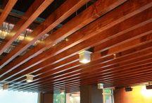 Реечный потолок деревянный