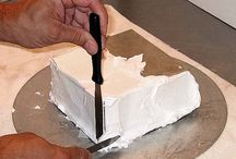 How To Frost a Square Cake & Get Crisp Corners with Buttercream Tutorial on Cake Central on Cakecentral.com