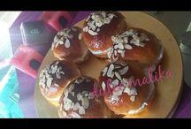 Receta de brioche con cascaras de naranja confitada / Ingredientes:    (ESP)          -1 Kilo de harina          -3 huevos          -150 grs de azúcar granulado                                 -150 ml de aceite             -20 grs de levadura de pan                  -2 cucharadas de leche en polvo           -1 cucharadita de vainilla líquida           -1 Cucharadita de levadura química            -Sal                - cascara de naranja confitada           -1/2 Litro de leche tibia  https://youtu.be/q25FuuKqwX0