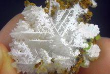 Cérusite / Carbonate : PbCO3
