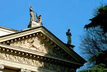 Giardini di Villa Reale, Milano / Lo sapevate che a Milano c'era un angolo di Paradiso? Ma soprattutto ve lo immaginate il Paradiso? Eccolo, in questo splendido giardino, anticamente parco privato della Villa, sembra proprio di essere altrove dal caos cittadino…