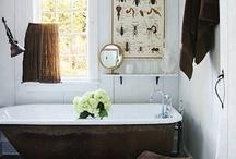 Bathrooms.... / by Lucila Sedano