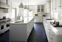 I wish I had a kitchen like that..