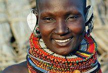 """School Afrika / Schoolthema 'Kinderen in andere landen'. Wij namen het boek   """"Hier woon ik en jij? """" , over Saruni, een jongen in Kenia, als uitgangspunt."""