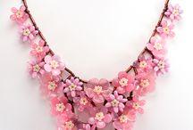 hermosos collares,brazaletes,anillos y vestidos ♥ / by evanora calderon