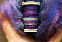 Creative flow-spinning and knitting / fibres, colours and spinning