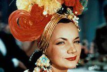 Cantora . Carmem Miranda. Ícone brasileira em moda. Anos 30 / 50.