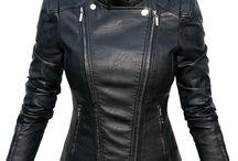 #100 Kurtka Damska Ramoneska Motocyklowa Moto Biker Jacket Zameczki FASHIONAVENUE.PL / Ekskluzywna Kurtka Damska Ramoneska Motocyklowa Moto Biker Jacket Zameczki model #100 FASHIONAVENUE.PL