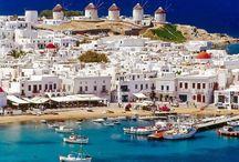 Grecja / Przepiękna Grecja i jej ekscytujące wyspy to idealne miejsce na spędzenie wakacji o czym każdego roku przekonują się miliony turystów. Jednak Grecja to nie tylko wyspy i plaże, to również wiele ciekawych zabytków i zapierająca historia.