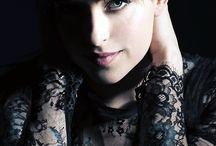 ACTRESS - Dakota Johnson