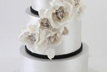 Wedding Cakes / by Rachel Putney Garton