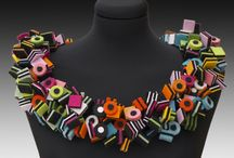 Joyas en Textil y otros materiales / by Claudia Becerra