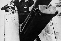 """WW2 - GRILLE / Grille (z niem. """"świerszcz"""") – niemieckie działo samobieżne piechoty z okresu IIWŚ bazujące na podwoziu czołgu PzKpfw 38(t) i  uzbrojone w działo sIG 15 cm."""