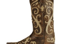Cowgirl Boots / by alexia riley