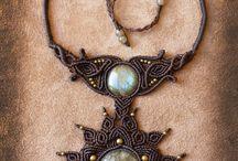 Beaded jewelry.       Beautifull / by Joan Deysel