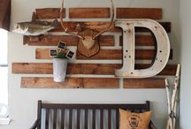Wood Decor / Great examples of using lumber, flooring, and other wood products in unusual ways.