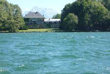 Château du Lac de Pierre-Chatel, Isère / Château dans l'Isère au bord de son lac privé, à louer pour des vacances ou un mariage en France. www.votre-chateau-de-famille.com