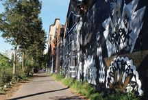 Le street Art à Mulhouse / Mulhouse a peu de maisons à colombage, peu de géraniums aux fenêtres et pas de petits cœurs sur les volets. Mais elle a d'autres atouts à faire valoir, et notamment une ouverture d'esprit par rapport aux arts urbains. Des artistes locaux ou de renommée mondiale laissent ainsi leur empreinte, tantôt poétique, humoristique ou simplement graphique.