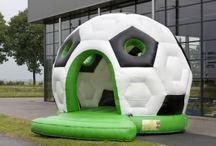 Springkussen Voetbal / Met dit springkussen voetbal, heeft u een enorme blikvanger op u feest. Geweldig kussen voor bij een voetbalfeest of communie.