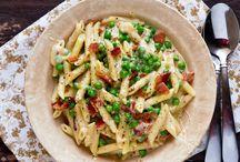 Macaroni & Cheese Recipes / Creamy, cheesy macaroni & cheese recipes!