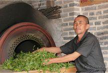 Pu Erh O&G / Originario de la región de Yunnan (China). Su tradicional proceso de fermentación le confiere un sabor terroso y unas propiedades dietéticas reconocidas en todo el mundo