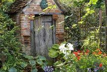 Enhlish cottage