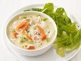 soups & salads / by Kelly McHugh