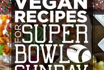 Vegan Super Bowl Recipes / Super Bowl food needs to be delicious, crowd-pleasing and easy to eat. Here are fantastic Super Bowl menu ideas to ensure that you have the best party ever like spectacular dips, crunchy, saucy tempeh, spicy chili and juicy burgers.