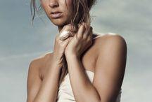 Amanda / Bayan modellerimizden 1.76 boyunda, 85-62-92 ölçülerine sahip, Mavi gözlü kumral saçlı '' Amanda '' şehirdedir.