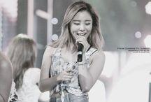 "Jung Whee In ❤️ / ""Vocalista e dançarina do MAMAMOO, eu sou hwweim ~WheeIn!""  Wheein Mamamoo 17/04/1995 (23 anos)"