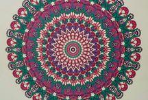 ingekleurd uit het enige echte mandala kleurboek 1 en 2