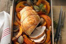Herbstlicher Geflügelgenuss / Geflügel wird mit einfachen Gemüsesorten, wie Kürbis, Kohl und Wurzelgemüse, zu einem köstlichen Gericht kombiniert.