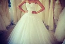 bruiloften / ik vind het leuk om verschillende jurken voor bruiloften te zien.