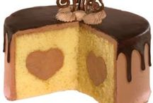 Cakes to Make / by Sara Wabrowetz