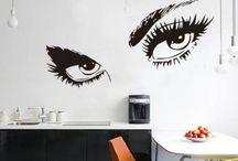 """ADESIVI MURALI - STICKERS / Tutto sugli adesivi murali, detti """"stickers"""", e sulle numerose varianti che si possono utilizzare per rinnovare la nostra casa."""