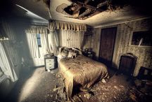 Abandoned Houses / Abandoned houses, hotels, theme parks and buildings.