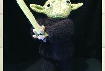 Yoda / Je les tricoter sans modèle. J'y ai passée des heures,mais je suis contente du résultat.