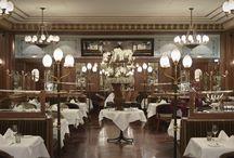 Jack's Brasserie / The legendary Jack's Brasserie is the main restaurant at the Hotel Schweizerhof Bern. In its typical fin-de-siècle ambience it offers classic market-fresh, French Brasserie cuisine as well as Schweizerhof classics – such as its famous Wienerschnitzel.